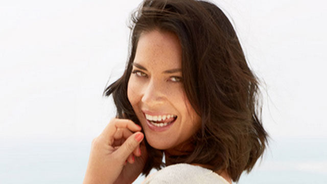 News video: Olivia Munn Shows Off Bikini Body in New Pics!